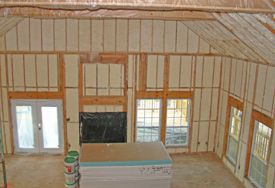 New construction spray tight spray foam insulation for New home insulation